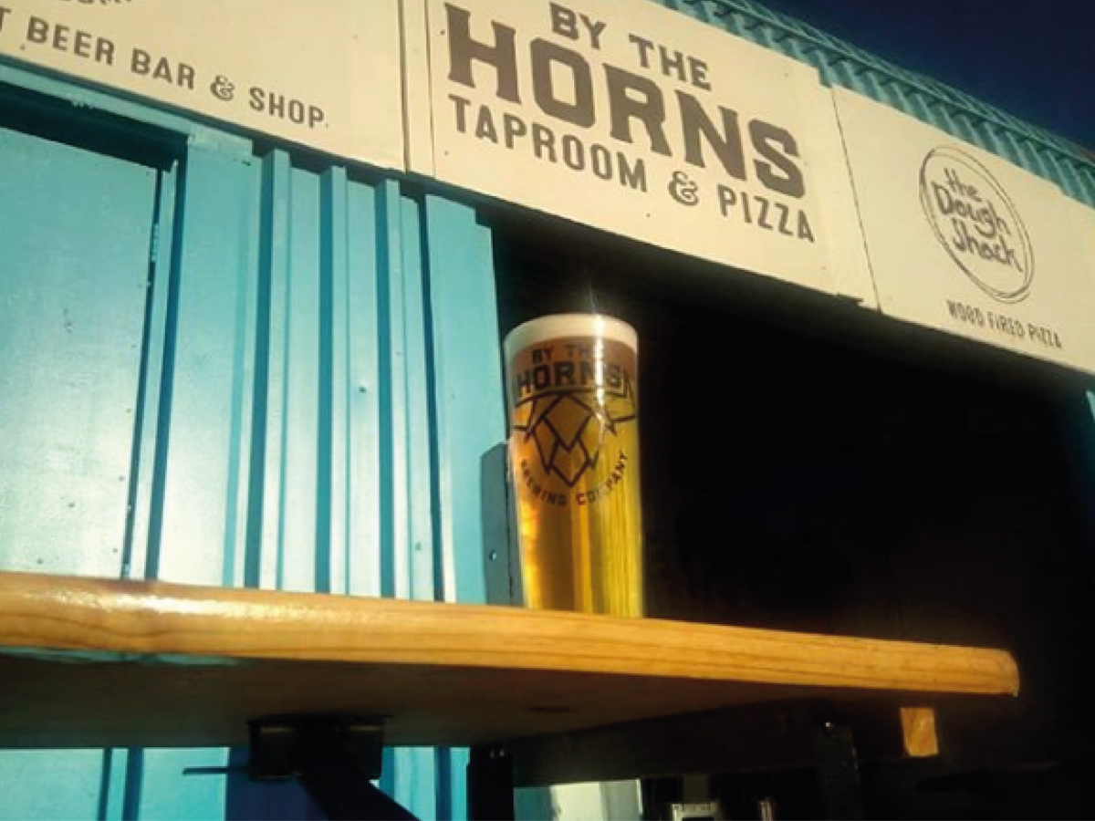 https://hopsample.bythehorns.co.uk/wp-content/uploads/2020/02/BTH-Taproom.jpg